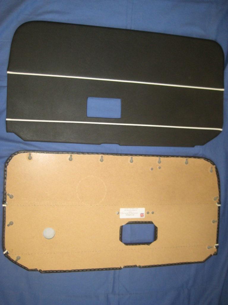 1 Mgb Pair Of Door Trim Panels 1968 1970 Clip Type Fixing